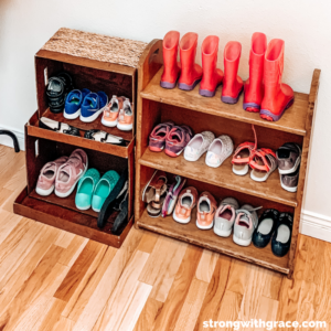 Stuck wondering where to start when decluttering home and living spaces? Check out three helpful methods that will put a tidy home in reach!